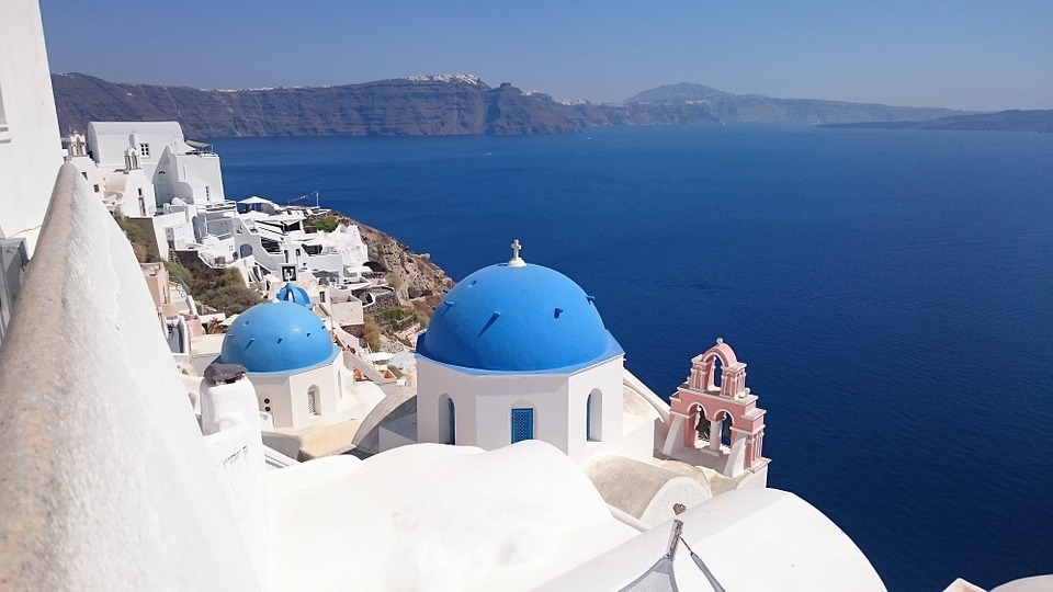 Four summer weekend getaways Santorini