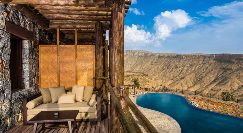 alila-jabal-akhdar-oman-pool-amazing-hotels-the-art-of-travel
