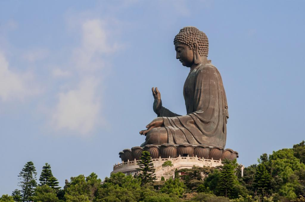 tian-tan-big-buddha-insiders-city-guide-hong-kong-the-art-of-travel