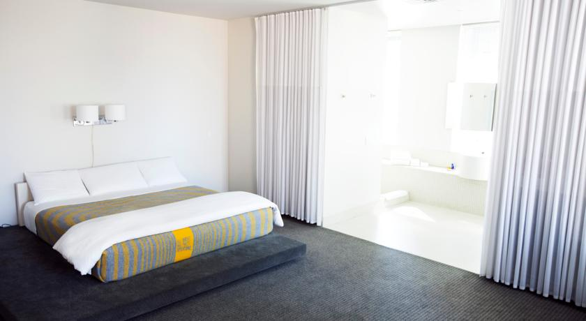 City Guide Downtown Los Angeles The Art of Travel The Standard room