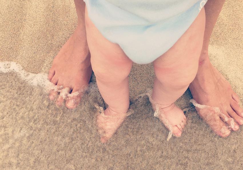 World Traveller Andrea Elisabeth Rudolph The Art of Travel Baby Feet Beach