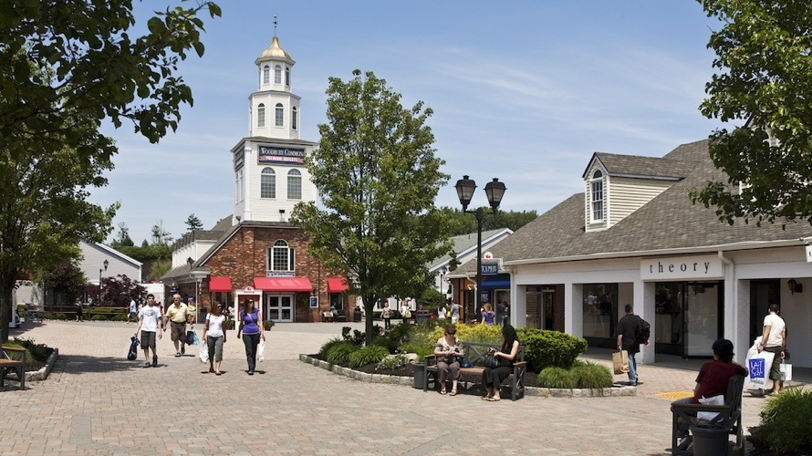 Nine Outlet Malls Around the World The Art of Travel Woodbury Common Premium Outlets
