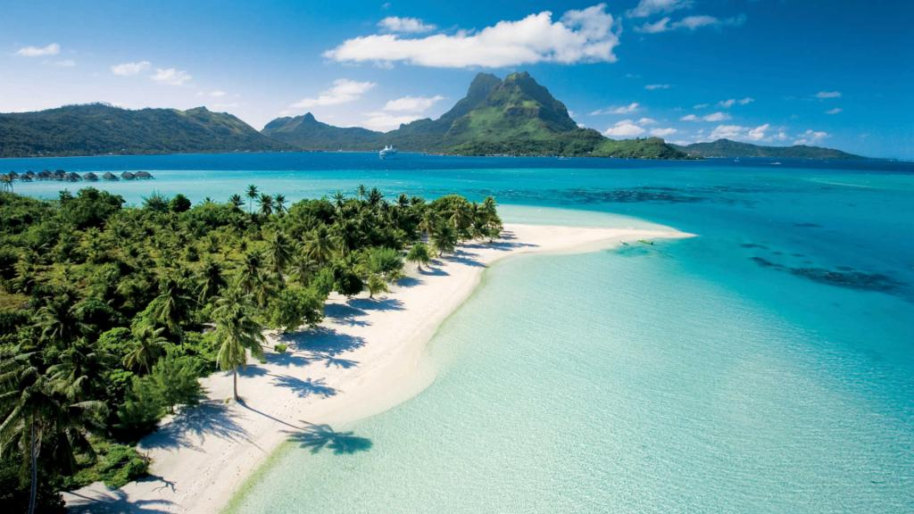 World Traveller Amalie Othilia Brandi Mikkelsen The Art of Travel French Polynesia Tahiti