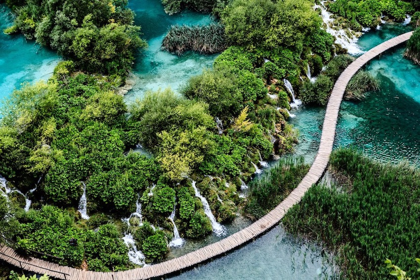 World Traveller Amalie Othilia Brandi Mikkelsen The Art of Travel Plitvice Croatia Waterfall