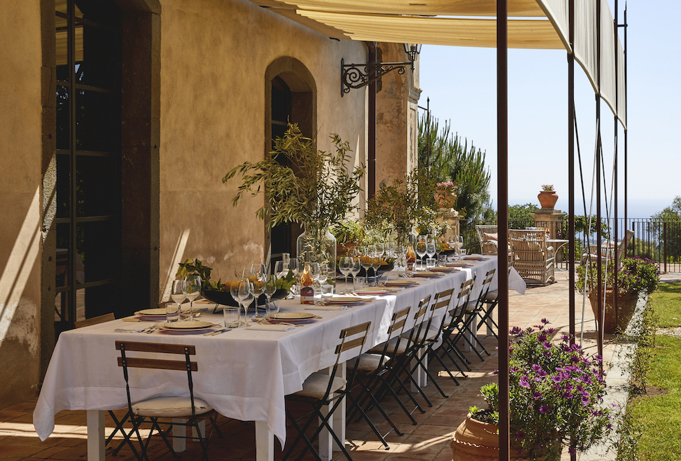 How to live it up in the former vineyard, Rocca delle Tre Contrade, in Sicily The Art of Travel dining al fresco